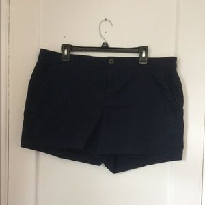 Old navy everyday short. Size 16